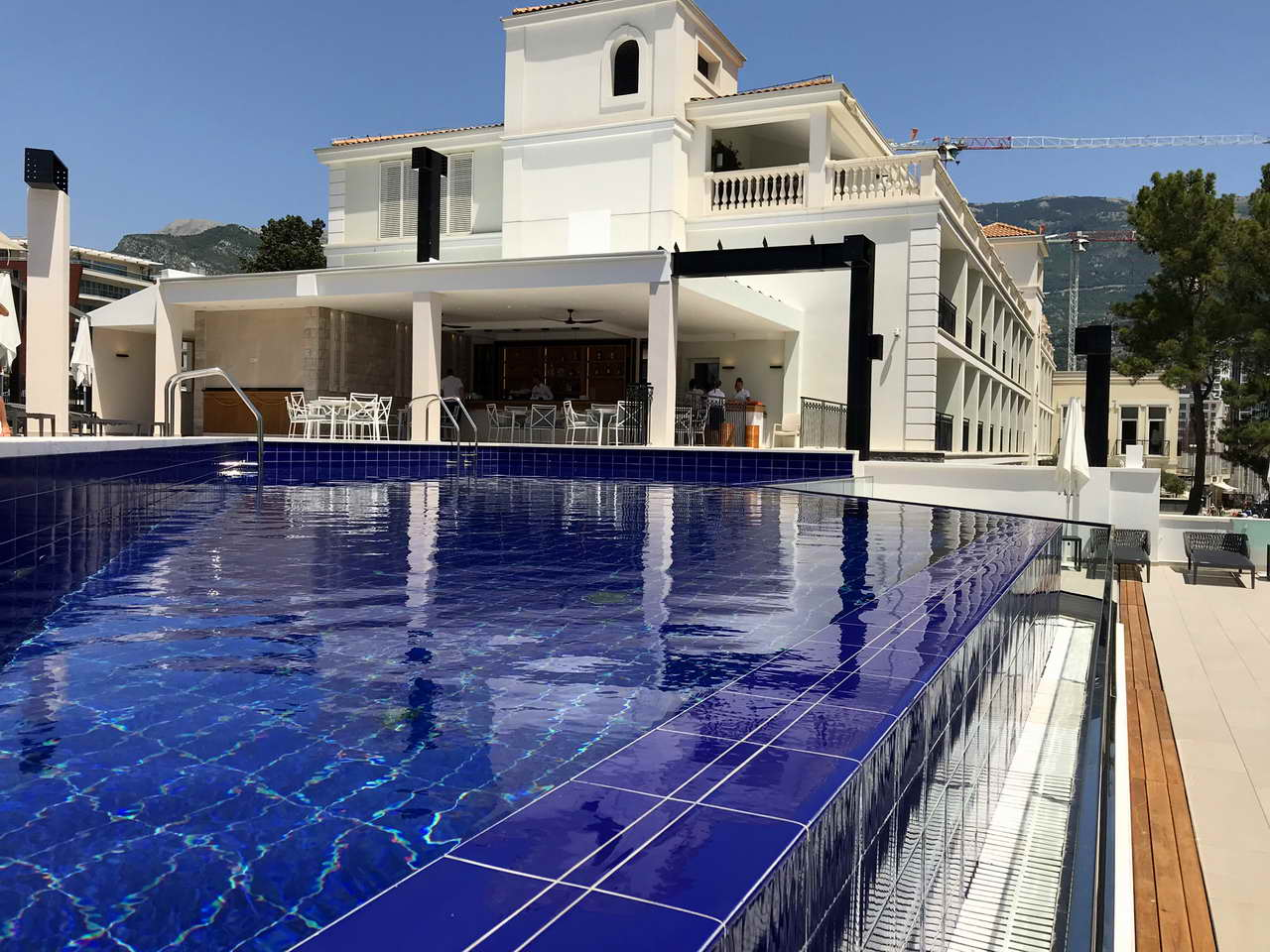 Swimming pool - Hotels near me with a swimming pool ...