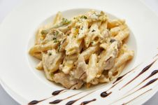 PENNE WITH CHICKEN AND ZUCCHINI-PESTO GENOVESE